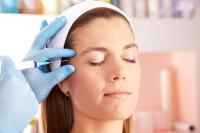 Инъекционная коррекция брови