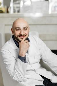 Пластический хирург Нодари Иоселиани