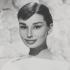 Одри Хепберн после увеличения губ, пластики носа и подбородка