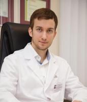 Пластический хирург Евгений Савельев
